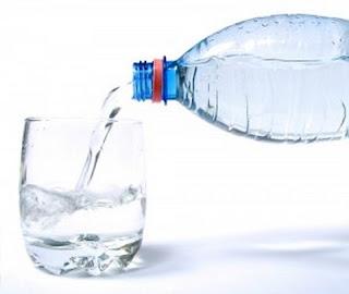 Buvez de l'eau pour vous désaltérer