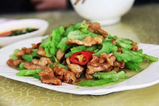 Chinese Chicken and Celery Stir-Fry: a Healthy Maintenance Dish