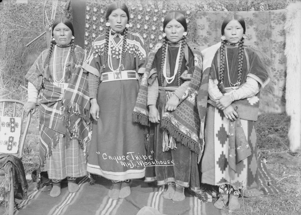 the roles of native american women in tribes Native american rolls to western tribes as well research for american indian ancestors begins was a cherokee indian tribe native out of.