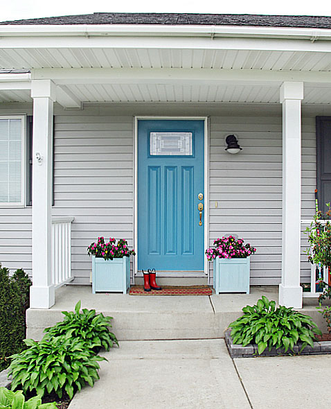 As A Reminder Of Where I Left Off Took Risk And Painted Our Front Door In Behr S Harbor