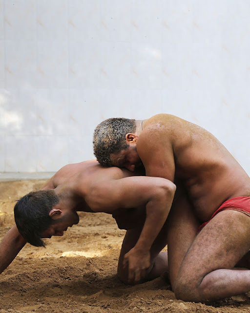 bodybuilder-naked-indian-wrestlers