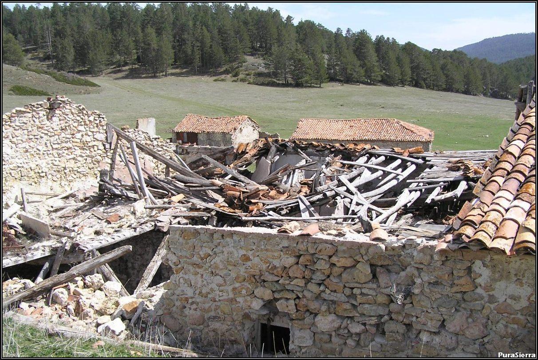 Villanueva De Las Tres Fuentes. Ruinas (8)
