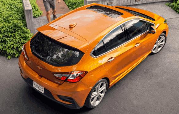 2018 Chevrolet Cruze Hatchback Exterior