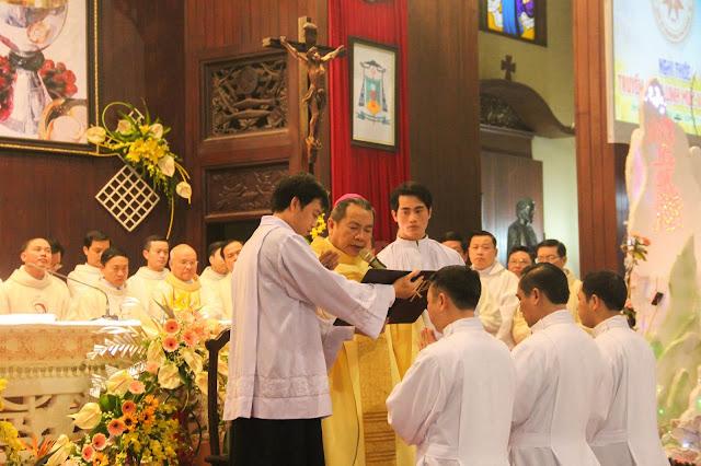 Lễ truyền chức Phó tế và Linh mục tại Giáo phận Lạng Sơn Cao Bằng 27.12.2017 - Ảnh minh hoạ 127
