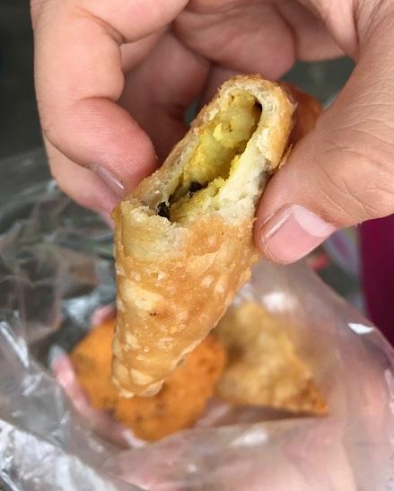 Street food, Mauritius, samosa