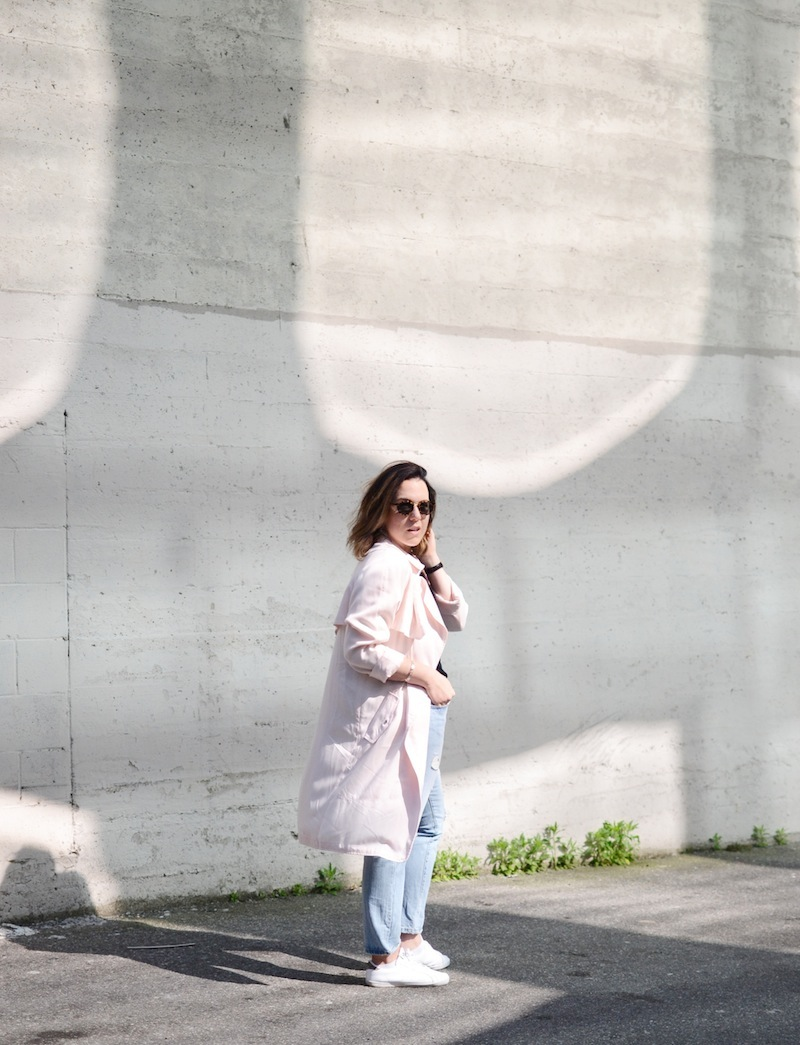 Aritzia Babaton Lawson trench, Gap modern tee, Levi's 501 CT and Adidas miss stan smith cool outfit idea Vancouver fashion blog