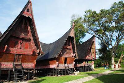 Gambar Rumah Bolon Rumah Adat Sumatra Utara