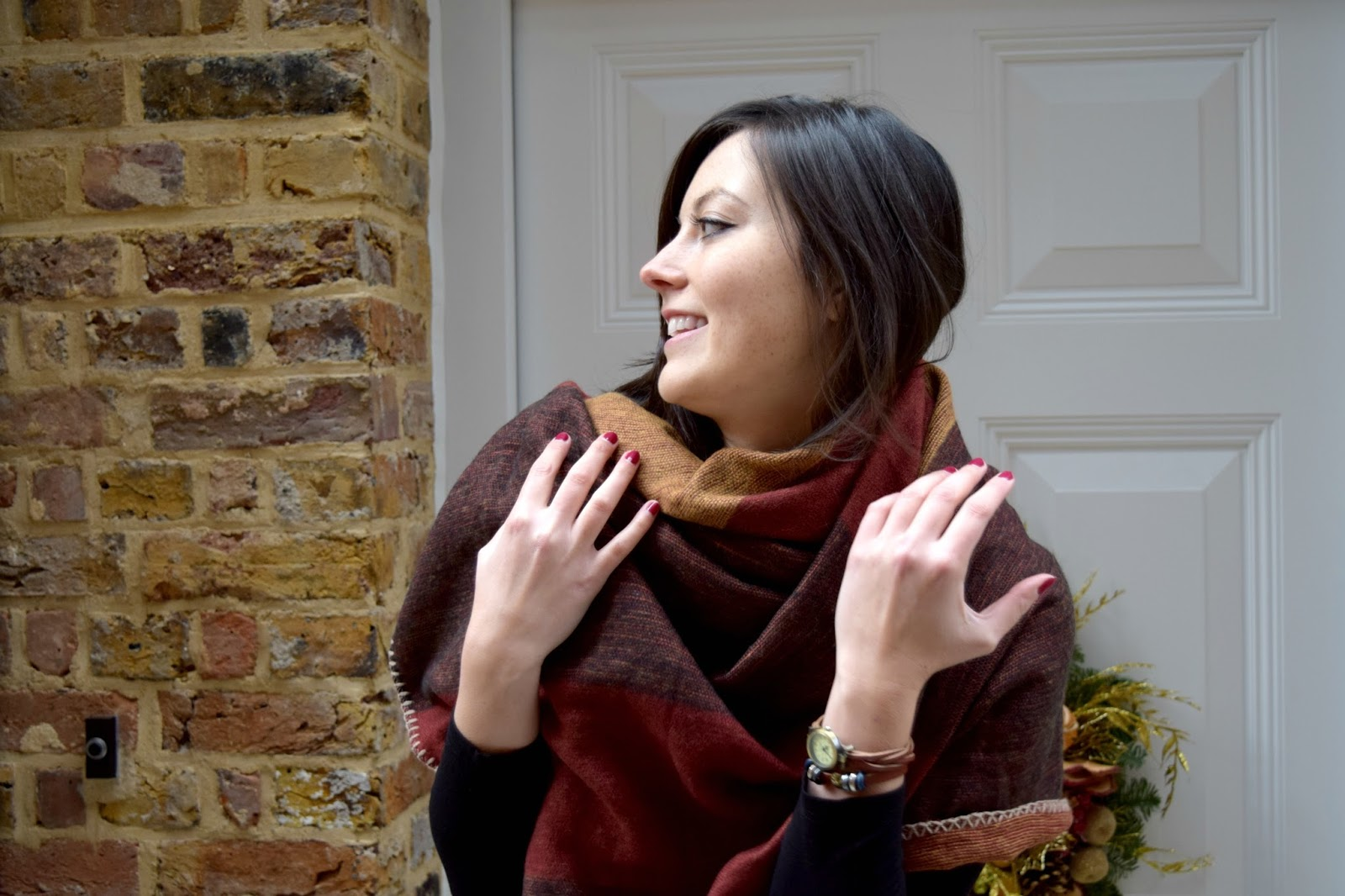 Fashion Post including a cosy scarf from Stradivarius