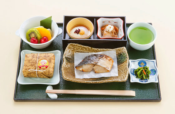 JAL Domestic First Class mid June breakfast menu.
