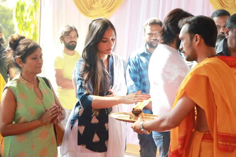Shrinidhi Shetty at KGF Chapter 2 Mahurat shooting