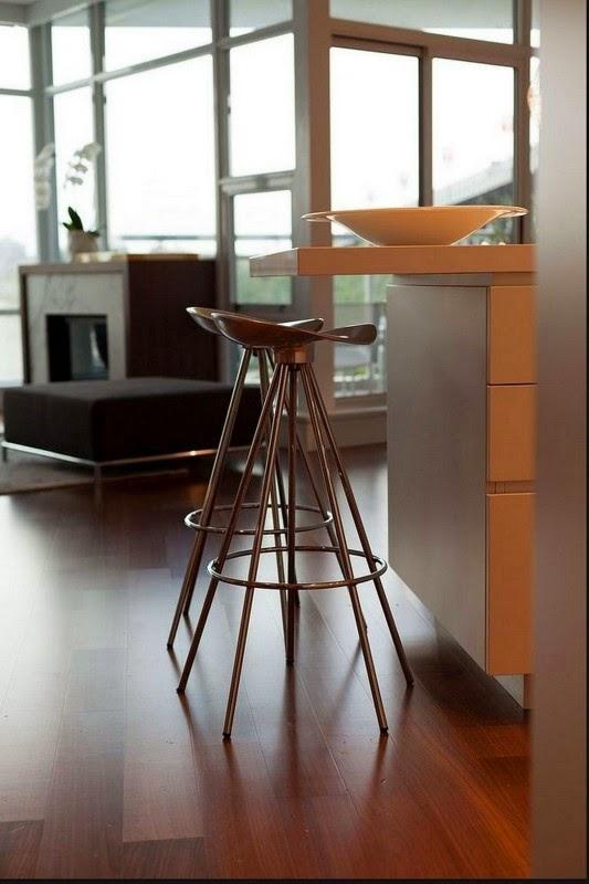 poltronas Casa contemporânea com design feminino
