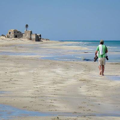 Paseando por la playa en Djerba