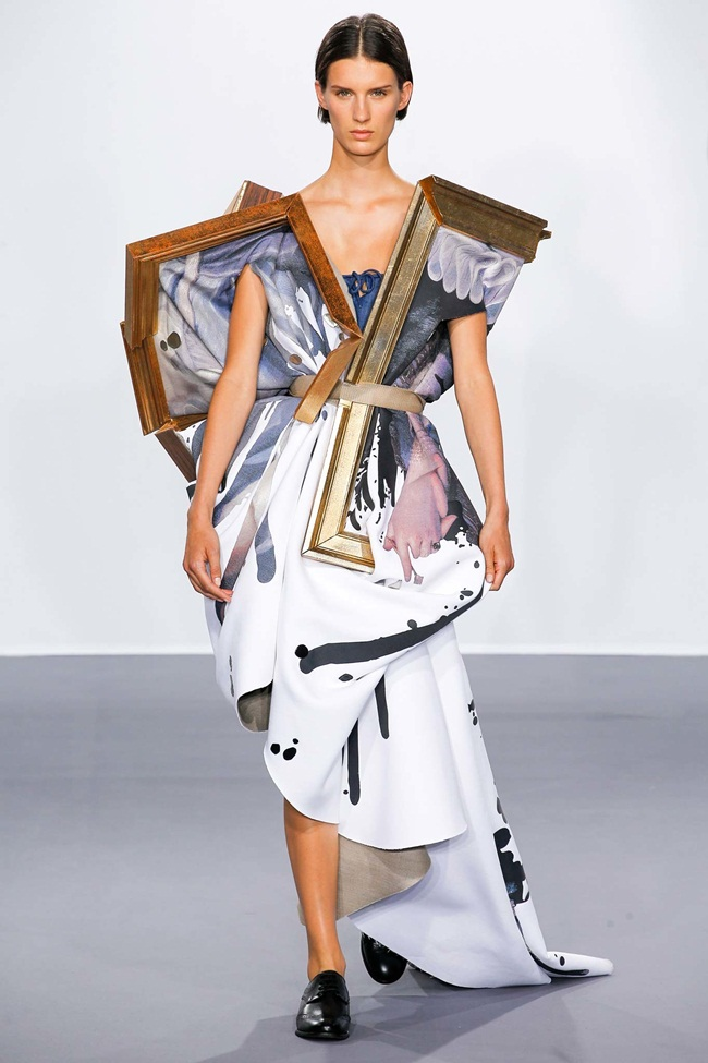 Viktor & Rolf Couture 2015 AW Wearable Art Dress