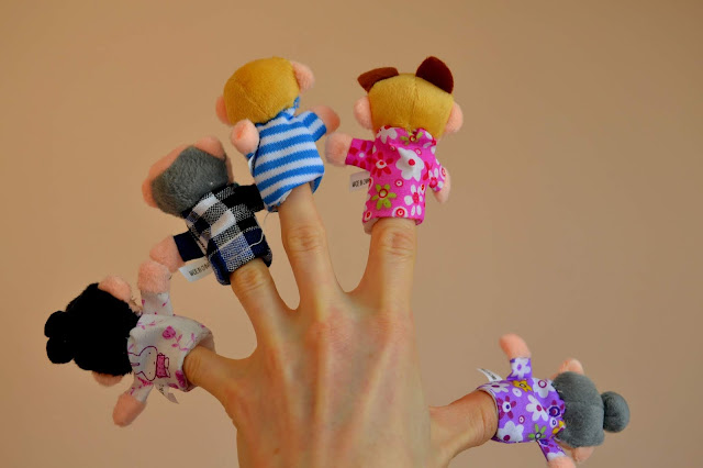6 Pcs Finger Puppets Plush Cloth Toy Baby Bed Stories Helper Doll