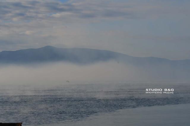 """Εντυπωσιακό φαινόμενο στο Ναύπλιο με την θάλασσα να """"βράζει"""" (βίντεο)"""