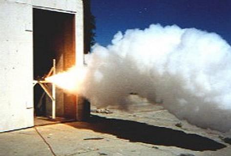 Encendido de un motor cohete de CO2 y magnesio.