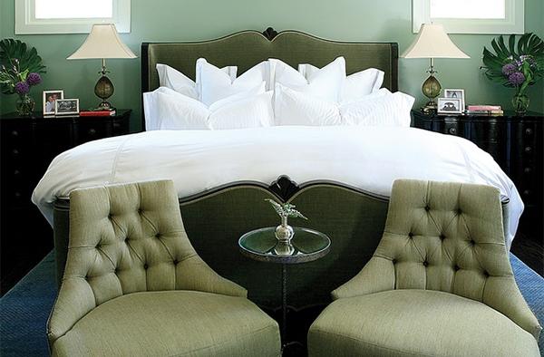 Kursi Klasik dan Tradisional untuk Kamar Tidur