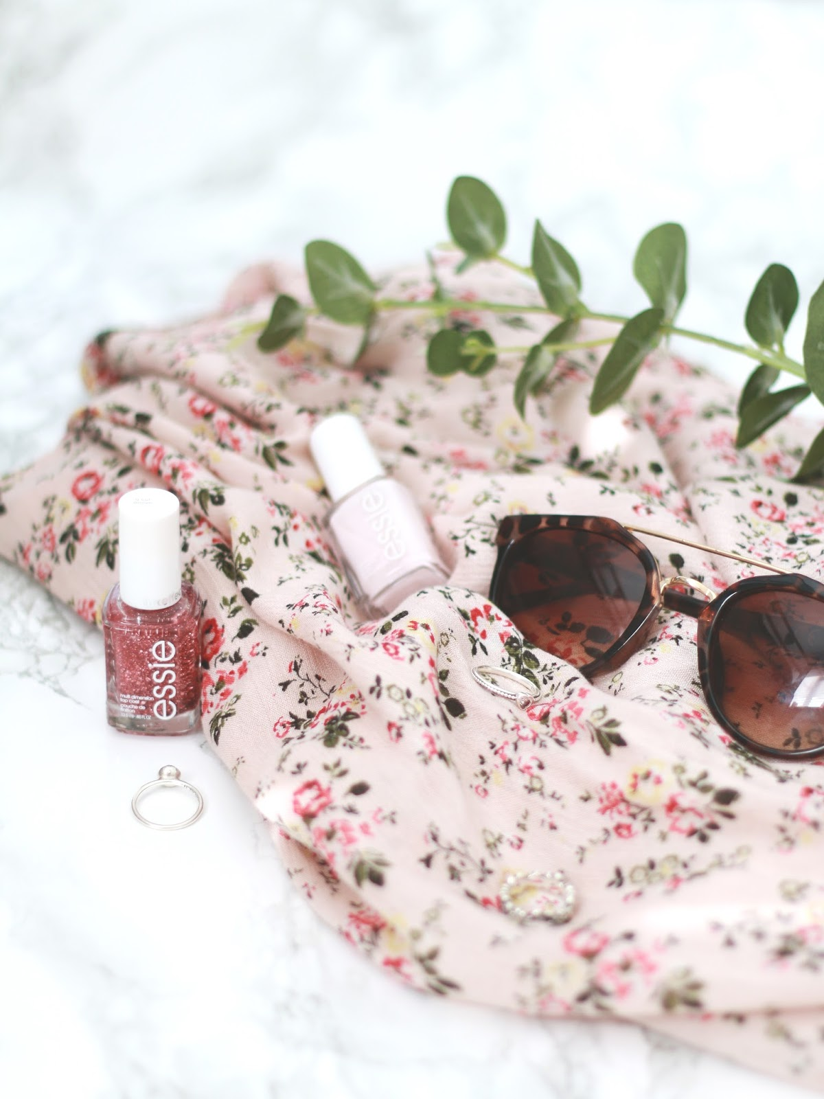 forever september, 10 things to do this summer, summer activities, makeup, beauty, fashion, blogger, the girl gang, blogging gals, essie nail polish, summer plans, seasonal, spring,