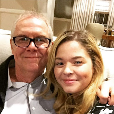 Sasha Pieterse (Alison) with PLL director Norman Buckley filming 7x05 and 7x06