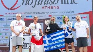 Απίστευτο! Ιερέας έτρεξε με ράσα 430 χλμ. και νίκησε στο No Finish Line!