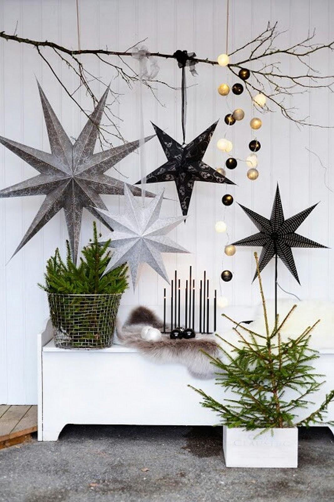 MODERN CHRISTMAS DECORATING IDEA