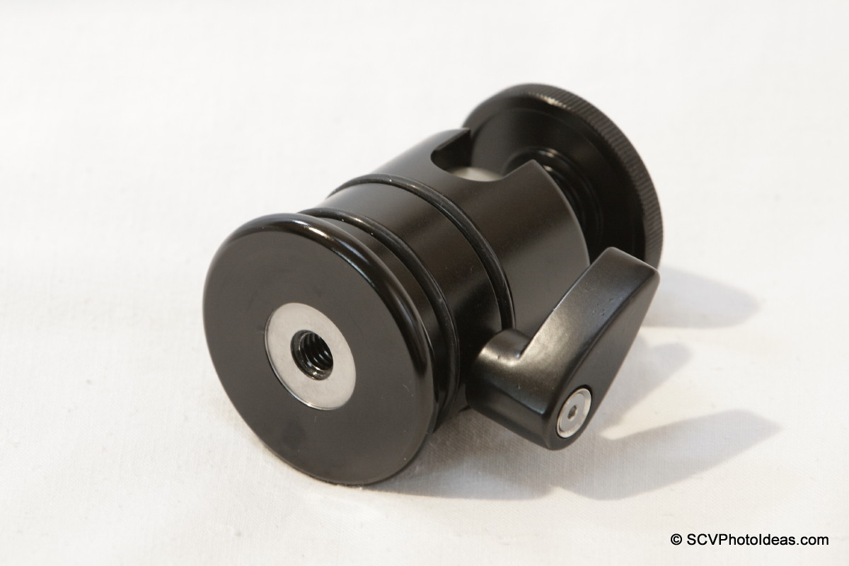 Triopo RS-3 Ball Head bottom