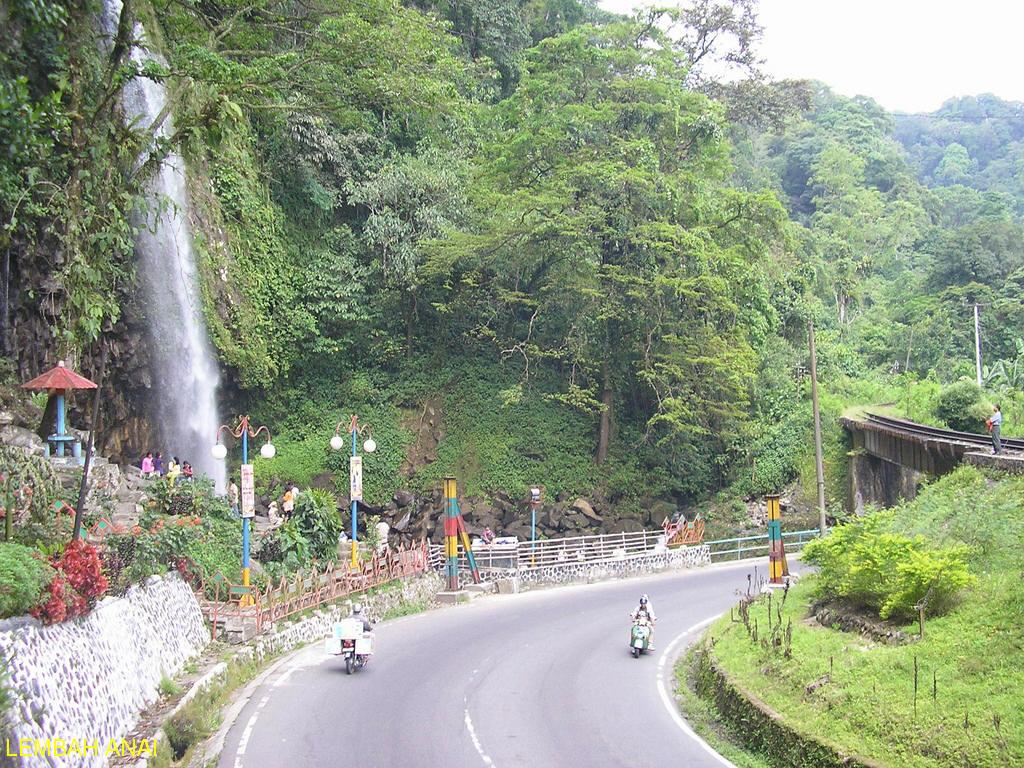 Azilas Travels 1997 PADANG  BUKIT TINGGI INDONESIA