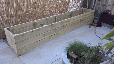 rue rivoirette fabriquer des jardini res en bois. Black Bedroom Furniture Sets. Home Design Ideas