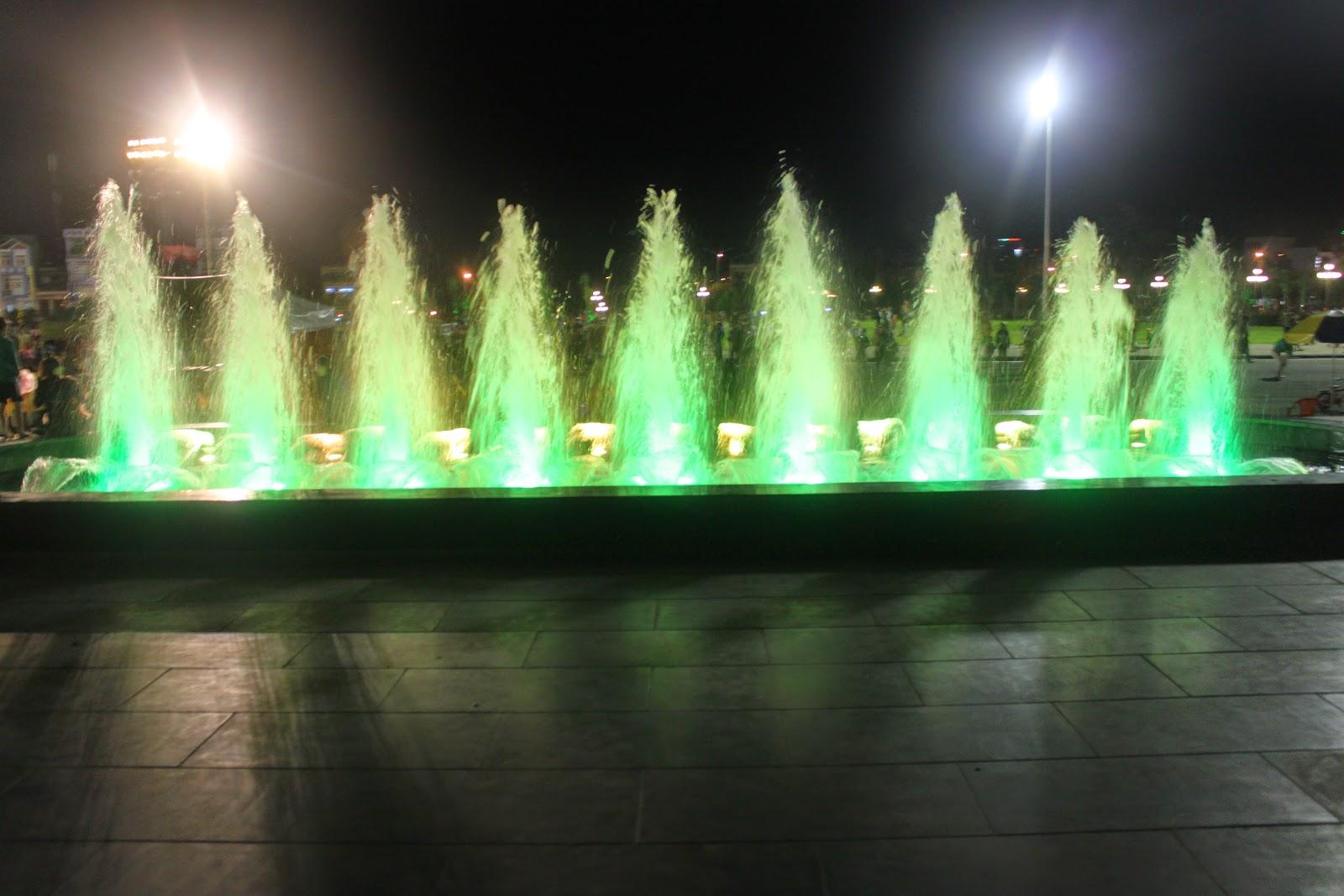 Đèn led âm nước cho đài phun nước tại Quảng trường Gia Lai
