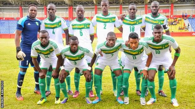 La selección de Mauritania que logró la hazaña ( ). ¿Identifican el 10  ¿Y  el 18  Yo tampoco ( ) 6c4412cae29c9