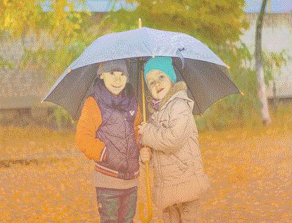 membawa-payung-saat-traveling-notes-asher