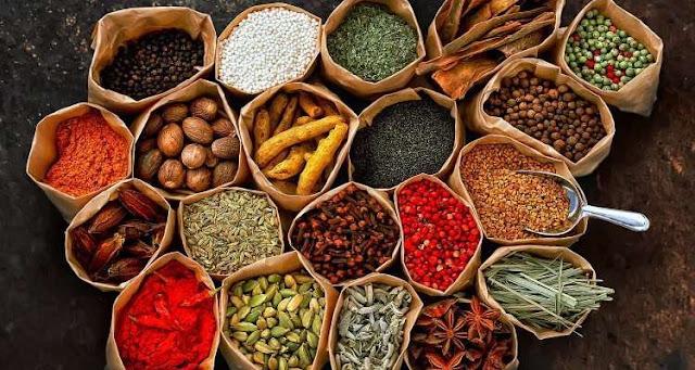 βότανα και μπαχαρικά για μείωση του βάρους
