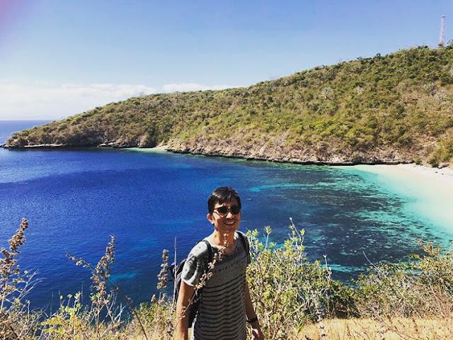 Pantai Semangkok Lombok dari atas bukit, sumber ig @mahesawirga