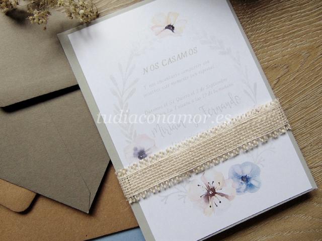 Tarjetones de boda pintados en acuarela con diseños bonitos de flores y hojas