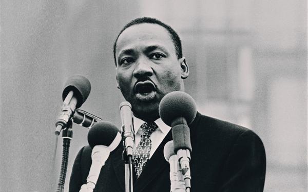 18 câu danh ngôn ý nghĩa của Martin Luther King Jr.