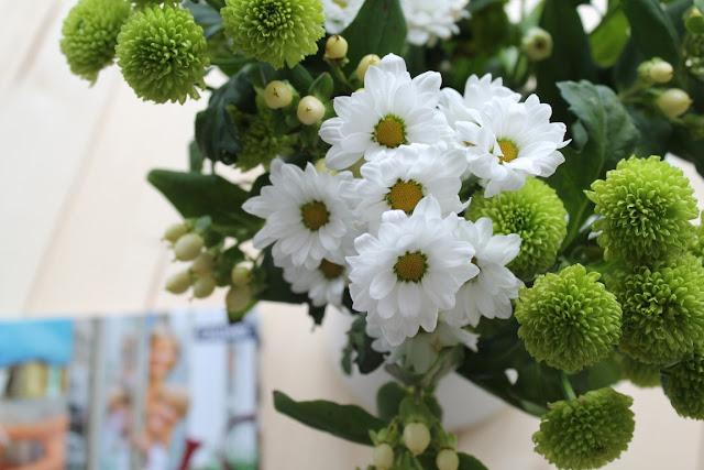 Buchtipp Neuerscheinungen Fruehjahr Rezension Callwey Verlag Jules kleines Freundenhaus Chrysanthemen