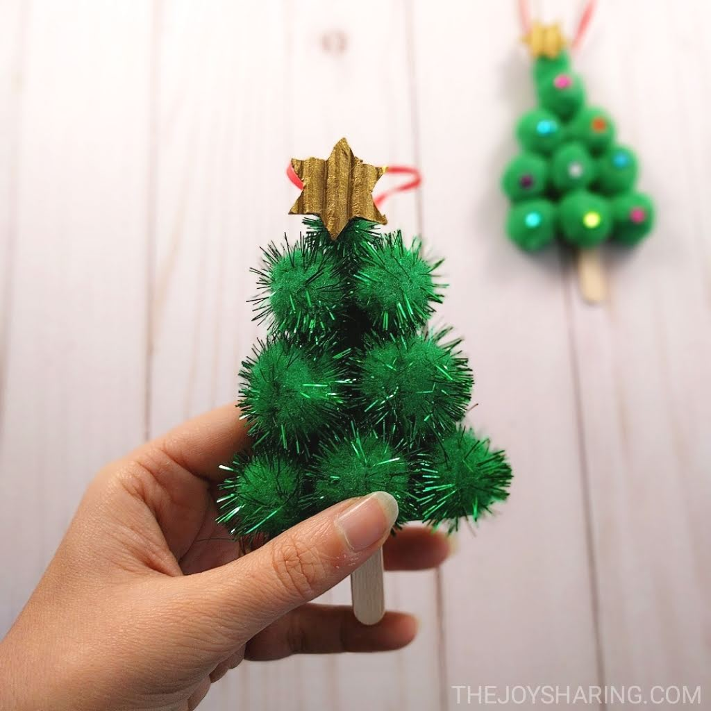 30 Easy Christmas Crafts For Kids
