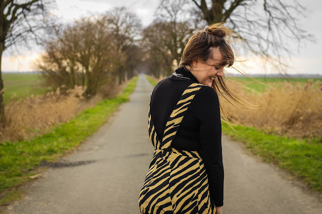 how to style the Topshop Zebra Pinafore