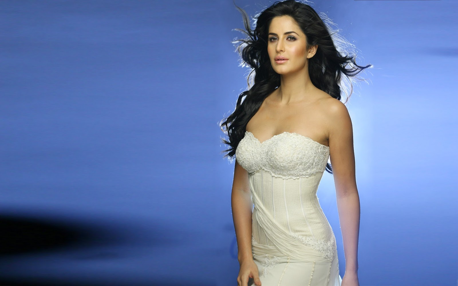 Actress Stills Designer Platinum Necklace  Katrina Kaif -2190