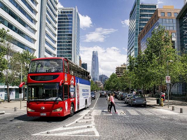 Passeio em ônibus panorâmico em Santiago
