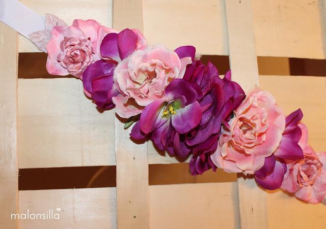Primer plano del cinturón de flores Ulia