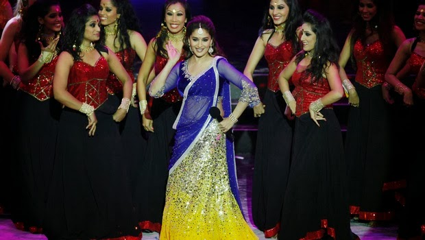 Photos Madhuri Dixit Performs At Iifa 2013