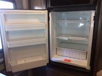 2018.5 Winnebago Fuse 23T refrigerator open