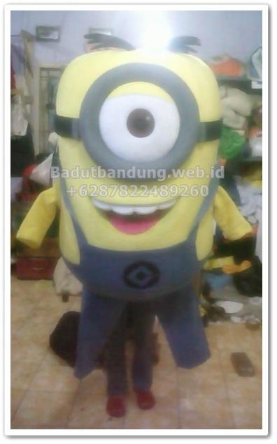 gambar kostum badut terbaru minion banana mata satu