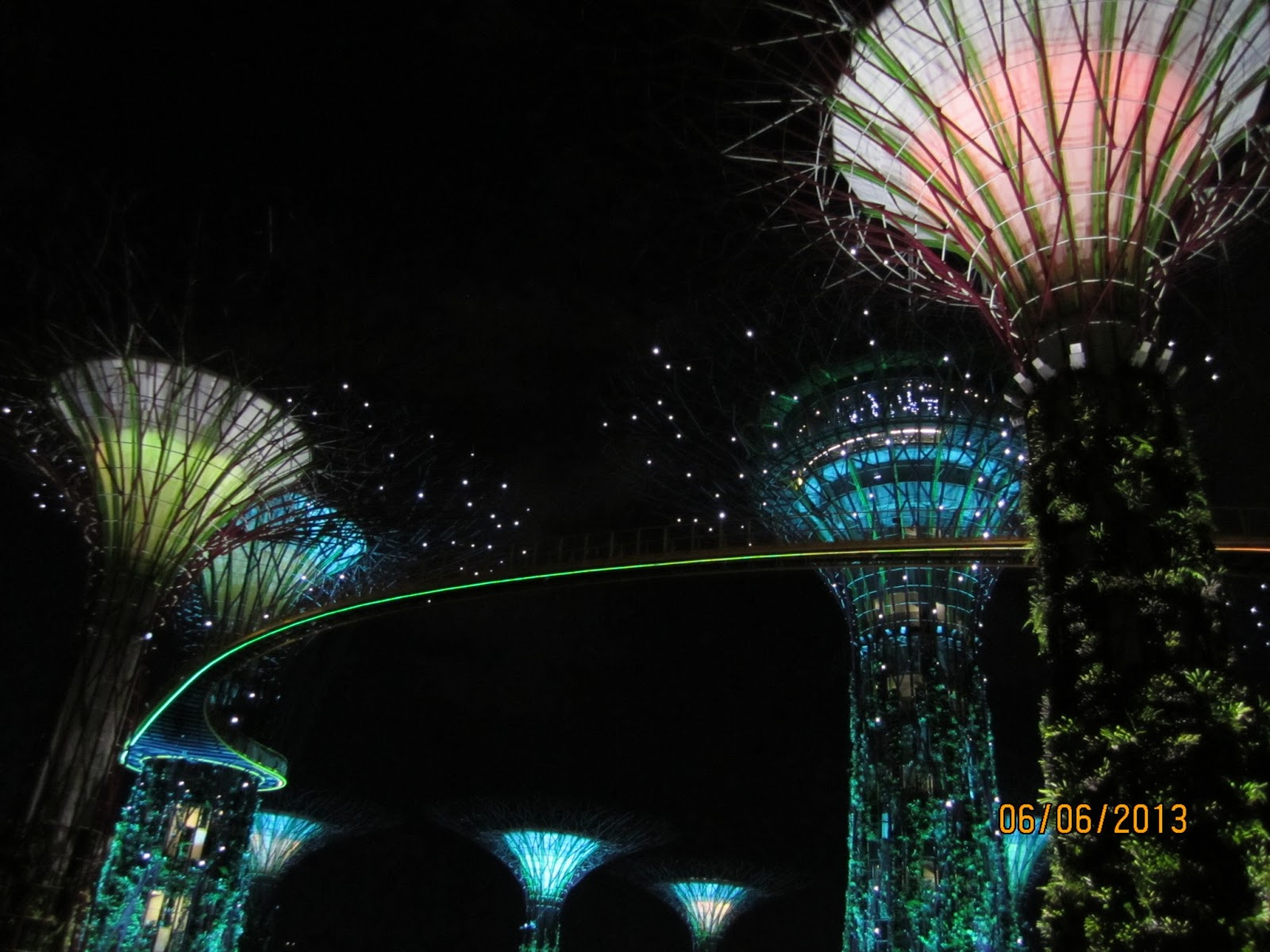here are some of the light show of the garden by the bay at night time 8 45pm