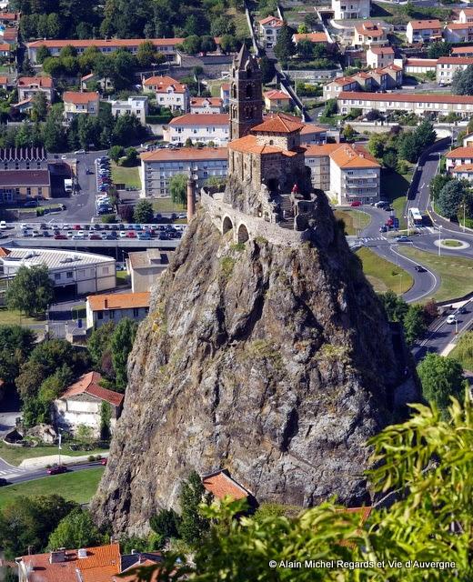 Mont Aiguilhe et rocher saint Michel.