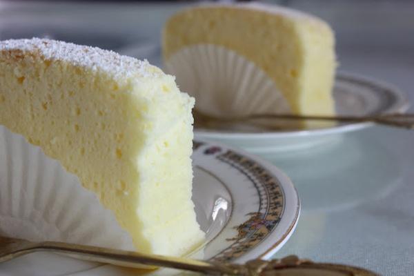 Angel Food Cake Cotton Cheesecake