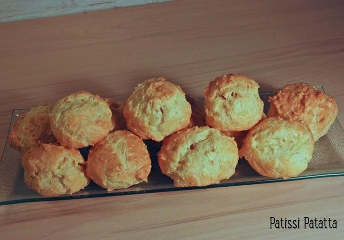 recette de choux au fromage, gougère, cheese choux pastries, apéritif avec des choux,