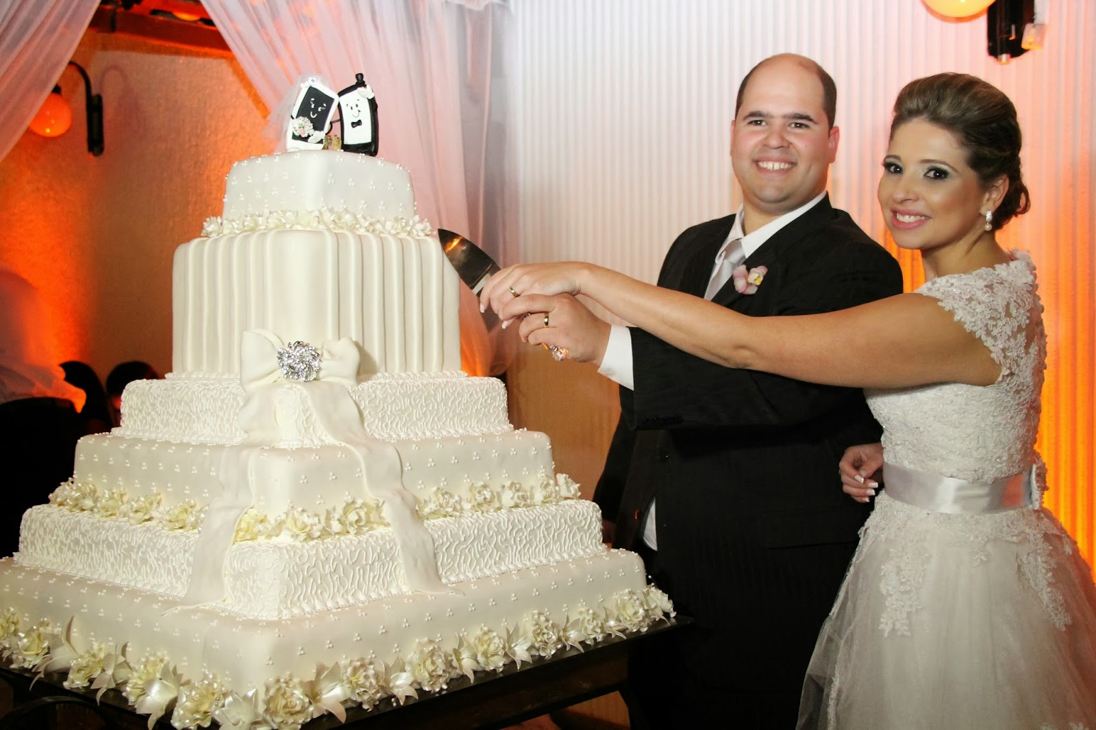 casamento-geek-corte-bolo