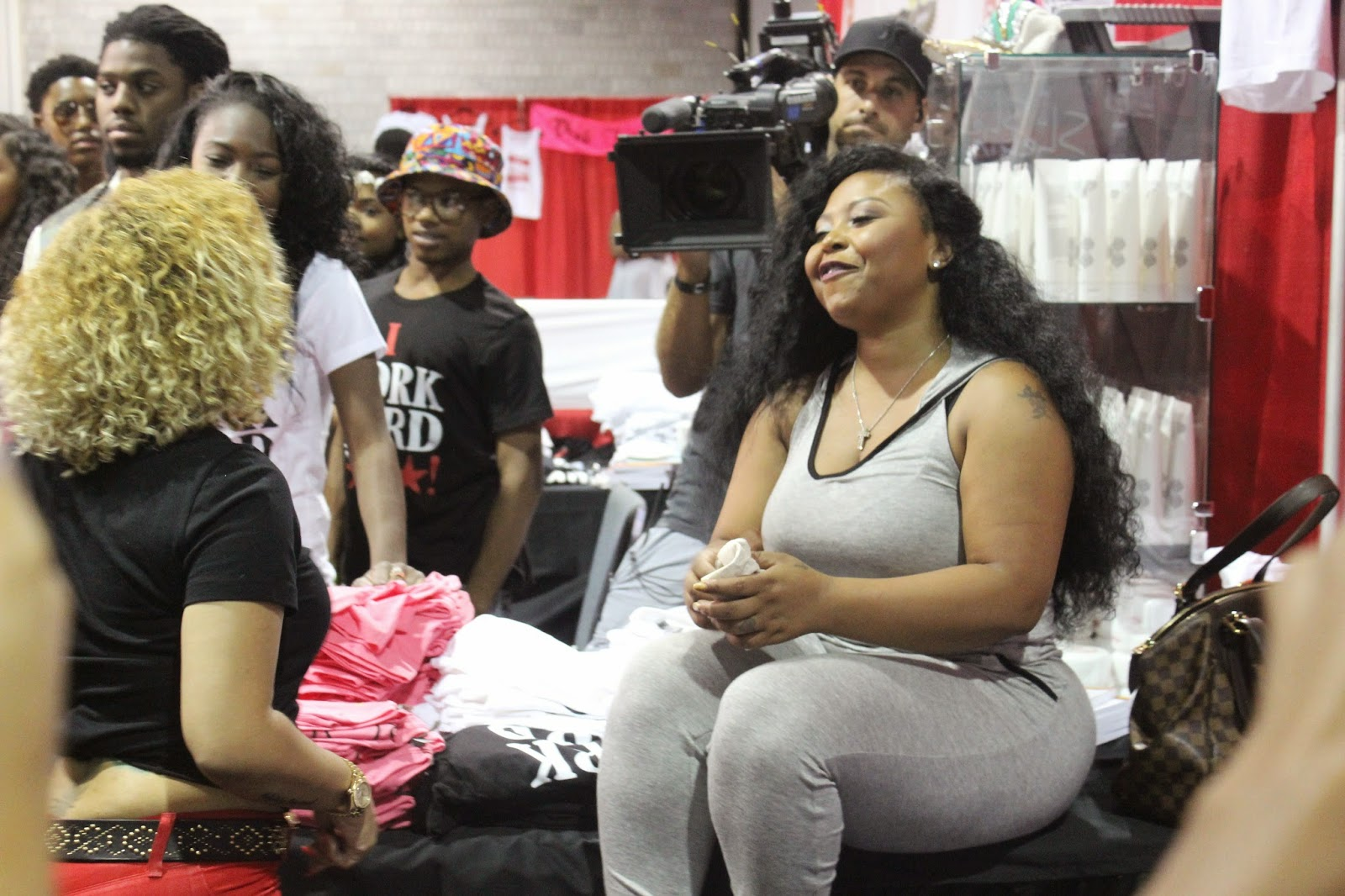 Myhartentcom Tiny Shekinah Jo Spotted Filming At Bronnerbrothers